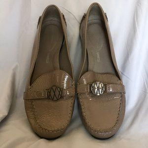 Rockport Taupe loafers Size 11